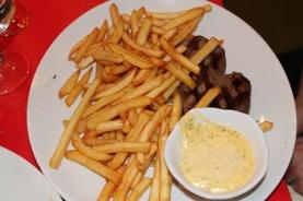 Beef with bernaise sauce
